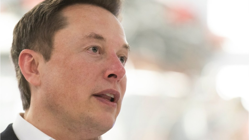 Click to play video 'Coronavirus outbreak: Elon Musk threatens to pull Tesla out of California over COVID-19 restrictions'