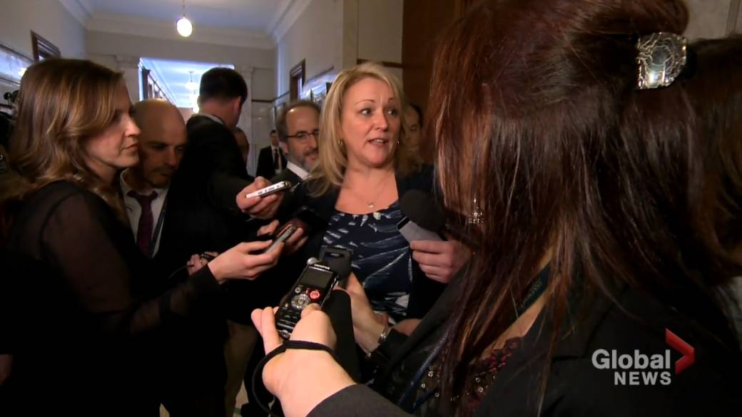 Click to play video: 'Longtime Quebec Liberal Lise Thériault not seeking re-election in 2022'
