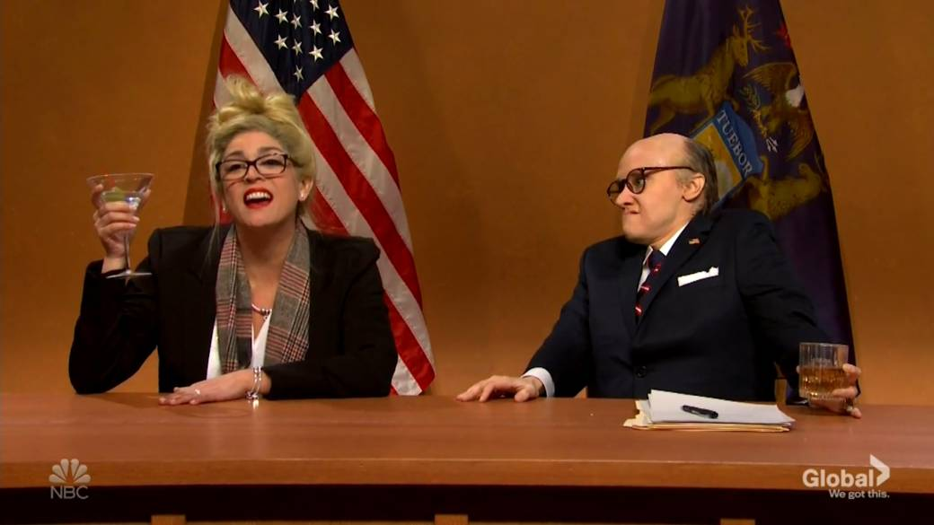 Click to play video 'SNL mocks Trump's legal team presenting 'evidence' of election fraud'