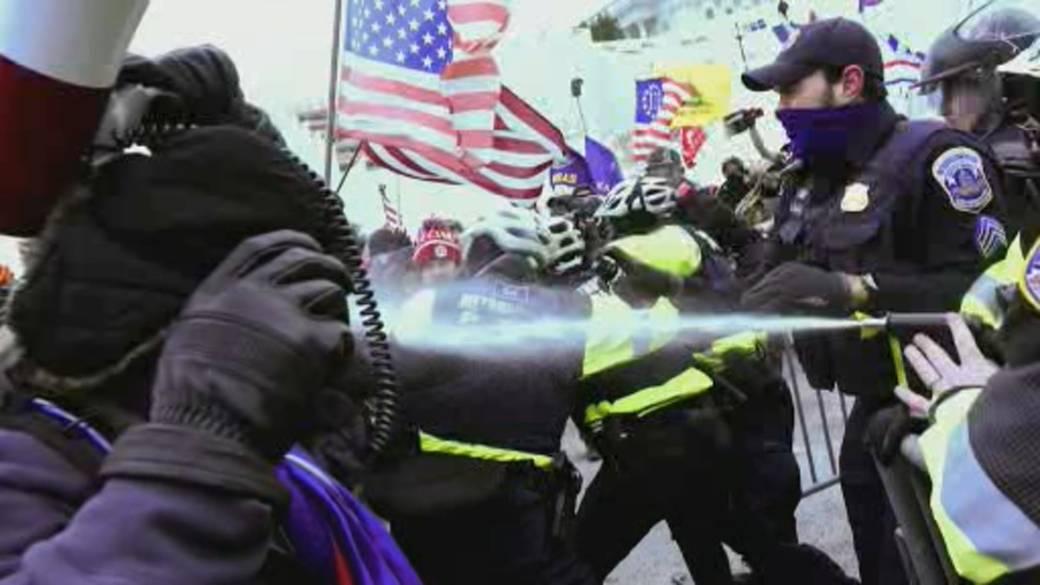 Click to play video '21,000 troops patrol Washington, D.C. ahead of Biden's inauguration'