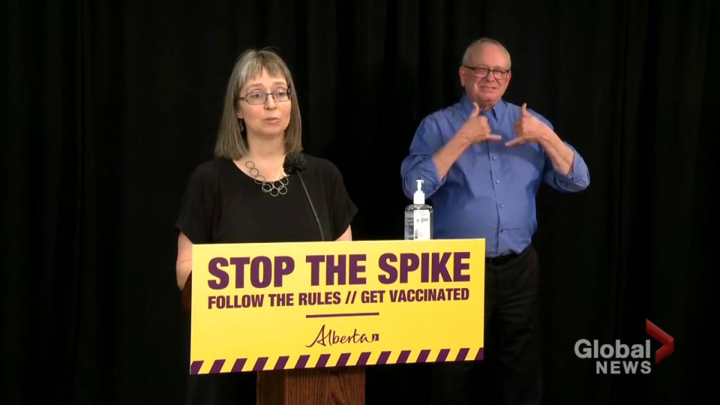 Click to play video: 'Hinshaw asks Albertans to 'get vaccinated, stay safe and please keep following the rules' ahead of long weekend'