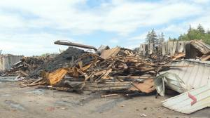 Fire destroys large moulding plant in Weymouth, N.S. (01:37)