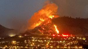 Video captures Coldstream, B.C., wildfire (02:05)