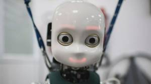 Research suggests robotic gaze can change our behaviour, help with caregiving (02:15)