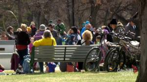 100 people attend anti-mask children's carnival in Saskatoon (01:38)