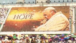 Thousands attend Thai stadium for Pope Francis' mass