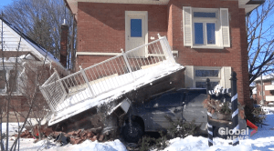 SUV crashes into front of Aylmer St. house in Peterborough (01:09)