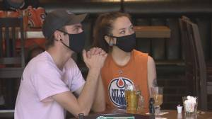 Mixed reaction to Edmonton's mandatory mask bylaw on Day 1