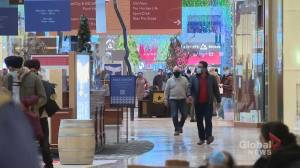Last minute push for Calgary shoppers on Christmas Eve (01:38)