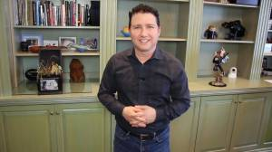 Renowned tech expert Marc Saltzman chats with GNM