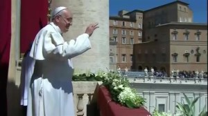 Pope Francis celebrates Easter Mass in St Peter's Square