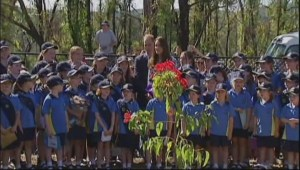 Royal couple visit wildfire-affected Aussie town