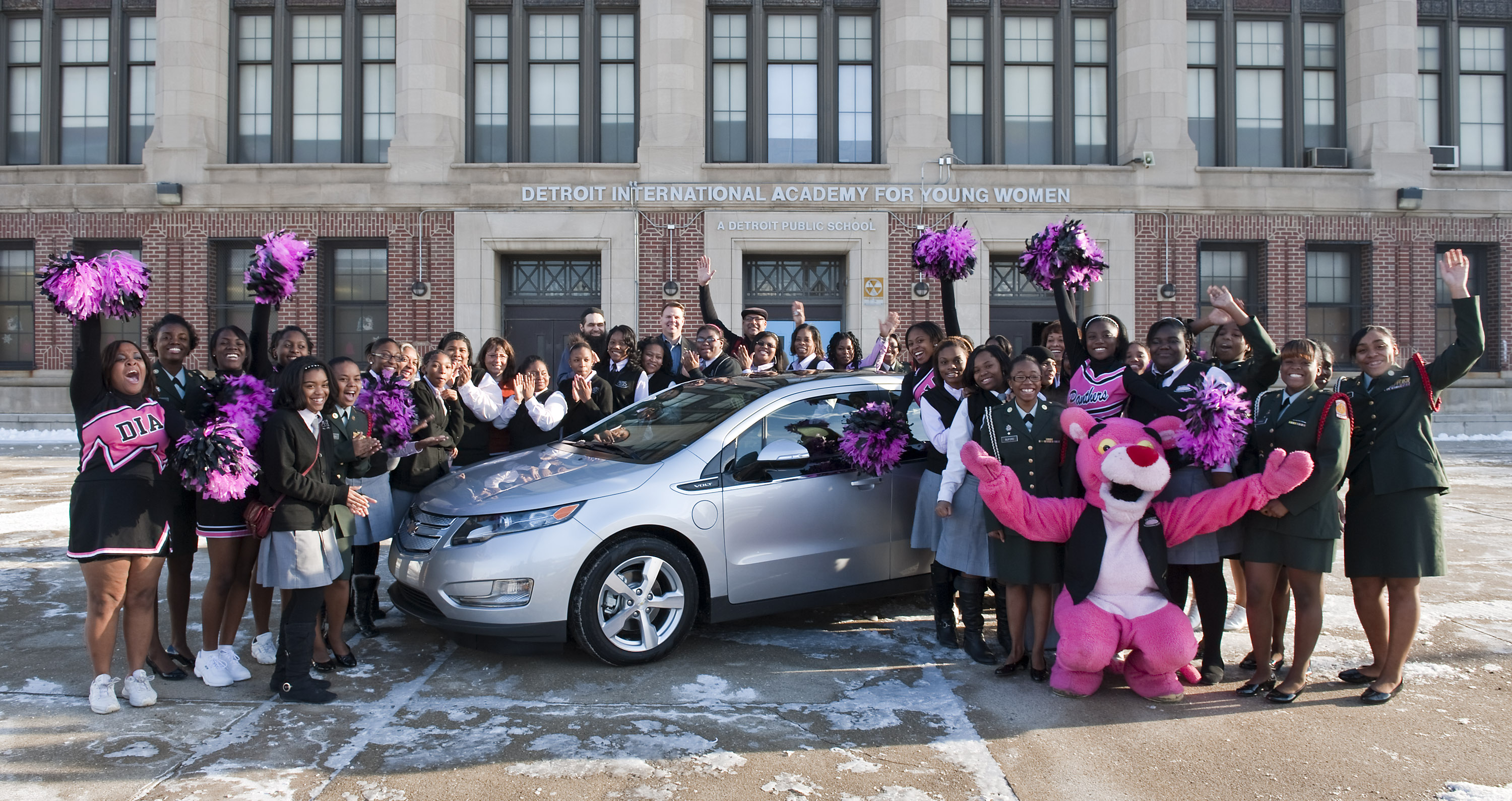 1st Volt nationally helps students in Detroit!