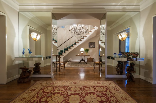 Inside Audrey Hepburn s Former Old Hollywood Mansion