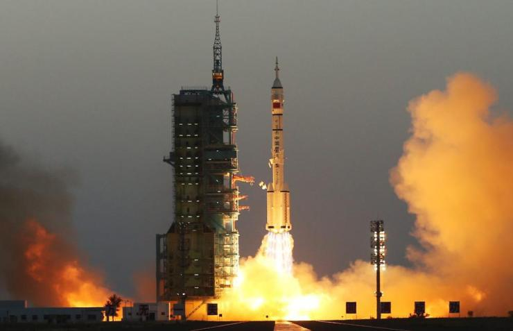china long march 2f rocket launches with humans aboard in october 2016