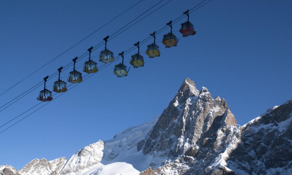 Winter-time photo of the ski-lift in La Grave