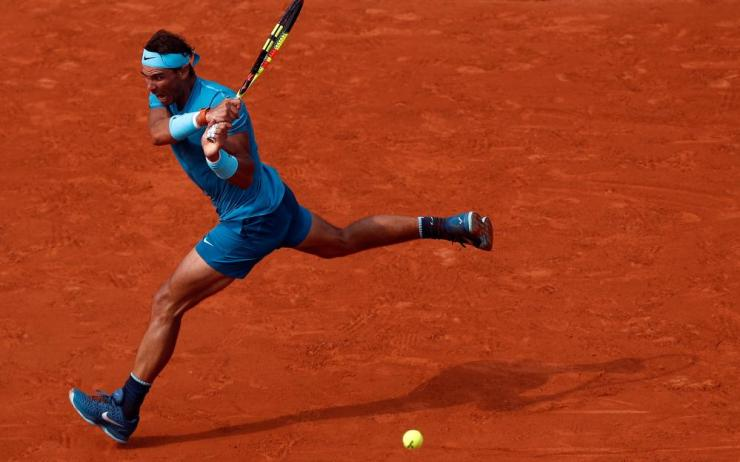 Nadal wins the second set 6-3.