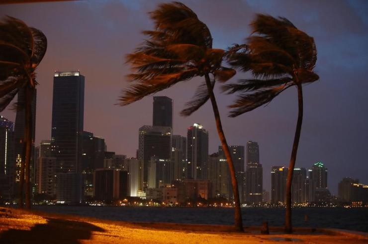 Florida Begins Preparing For Hurricane IrmaMIAMI, FL - SEPTEMBER 09: The skyline is seen as the outerbands of Hurricane Irma start to reach Florida on September 9, 2017 in Miami, Florida. Florida is in the path of the Hurricane which may come ashore at category 4. (Photo by Joe Raedle/Getty Images)