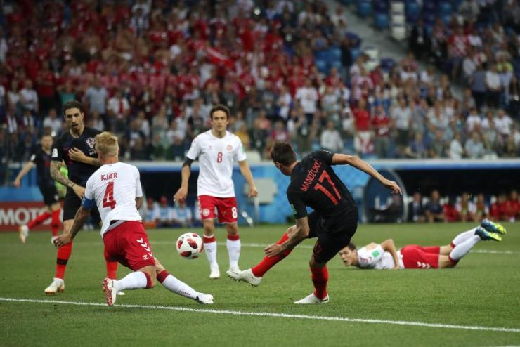 Mandzukic scores the equaliser.