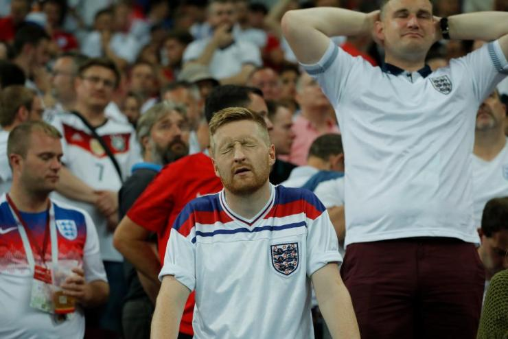 ... and so do the England fans
