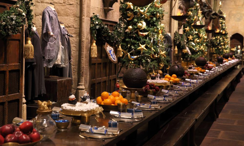 Hogwarts' Great Hall dressed for Christmas.