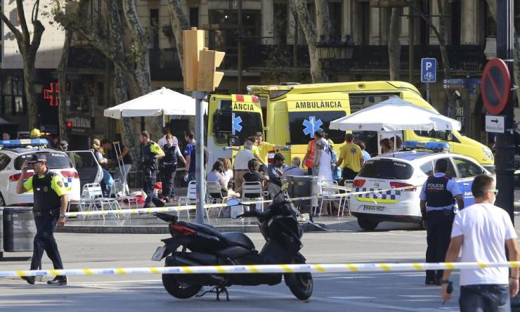 Injured people are treated in Barcelona.