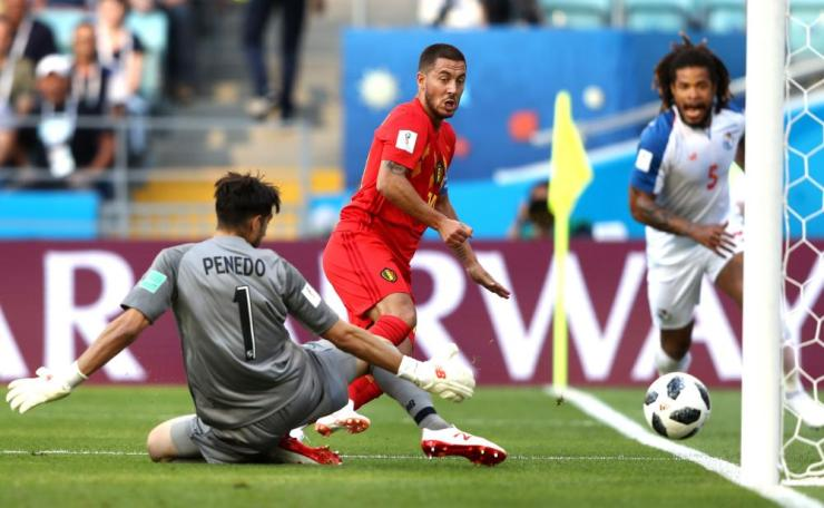 Jaime Penedo of Panama blocks a shot from Eden Hazard.