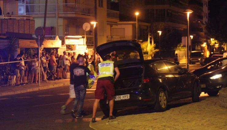 Police shoot dead four terrorism suspects after vehicle attack in Cambrilsepa06149301 Spanish Policemen inspect a car after four suspected terrorists were killed by the police after they knocked down six civilians with their car at Paseo Maritimo in Cambrils (Tarragona), northeastern Spain, 18 August 2017. EPA/JAUME SELLART