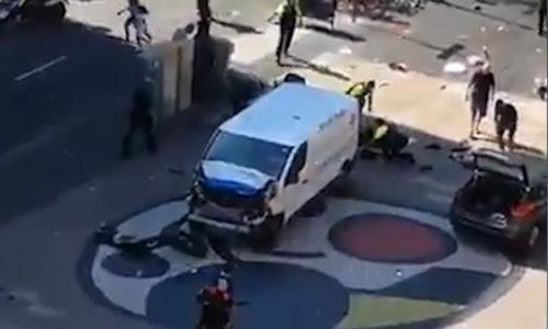 Screengrabs of the van in La Ramblas, Barcelona