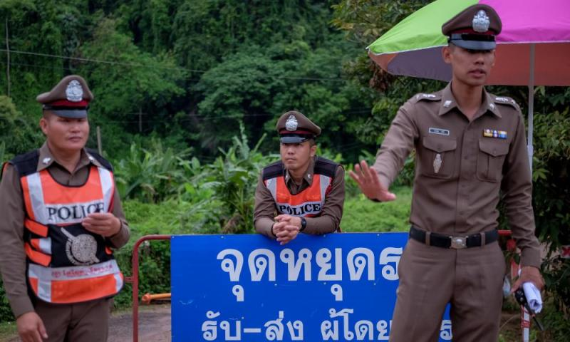 Journalists & non-essential personnel are ordered to leave the cave site and surrounding roads are cleared.