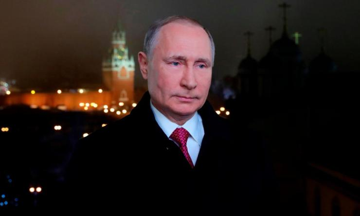 RUSSIA-NEW-YEAR-POLITICSRussian president Vladimir Putin prepares to address his New Year wishes to the nation.