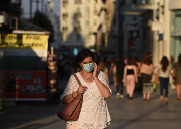 Face masks will be mandatory in all public spaces in Madrid, including sidewalks and cafes, even when social distancing measures can be respected, from 30 July.