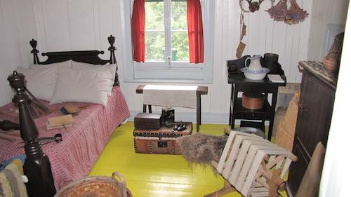 اتاق خواب لوریه در خانهشان در سن-لن-لورانتید که اکنون اثر ثبتشدهٔ ملی است