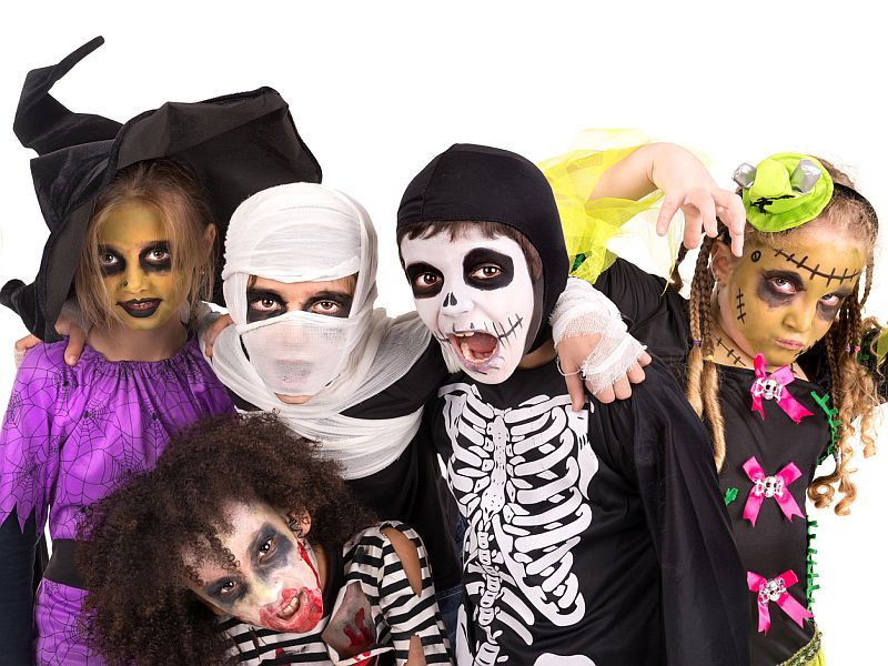 News Picture: Plan an Allergy-Safe Halloween for Your Child