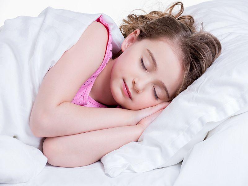 News Picture: Earlier Bedtimes Help Kids Fight Obesity