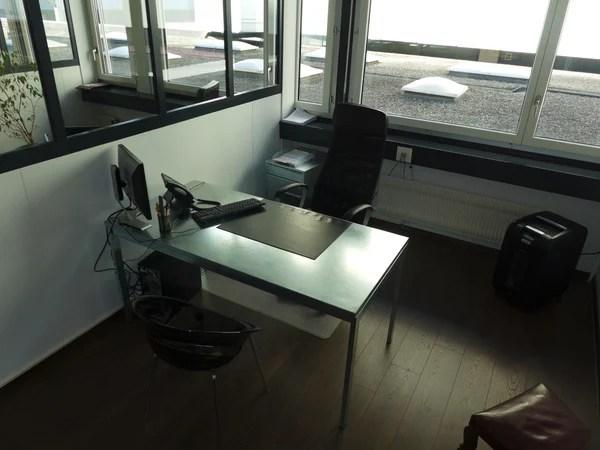 superbe bureau spacieux et lumineux a geneve commerces parkings et transports a proximite