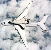 Antonov An-225 si naveta spatiala ruseasca Buran