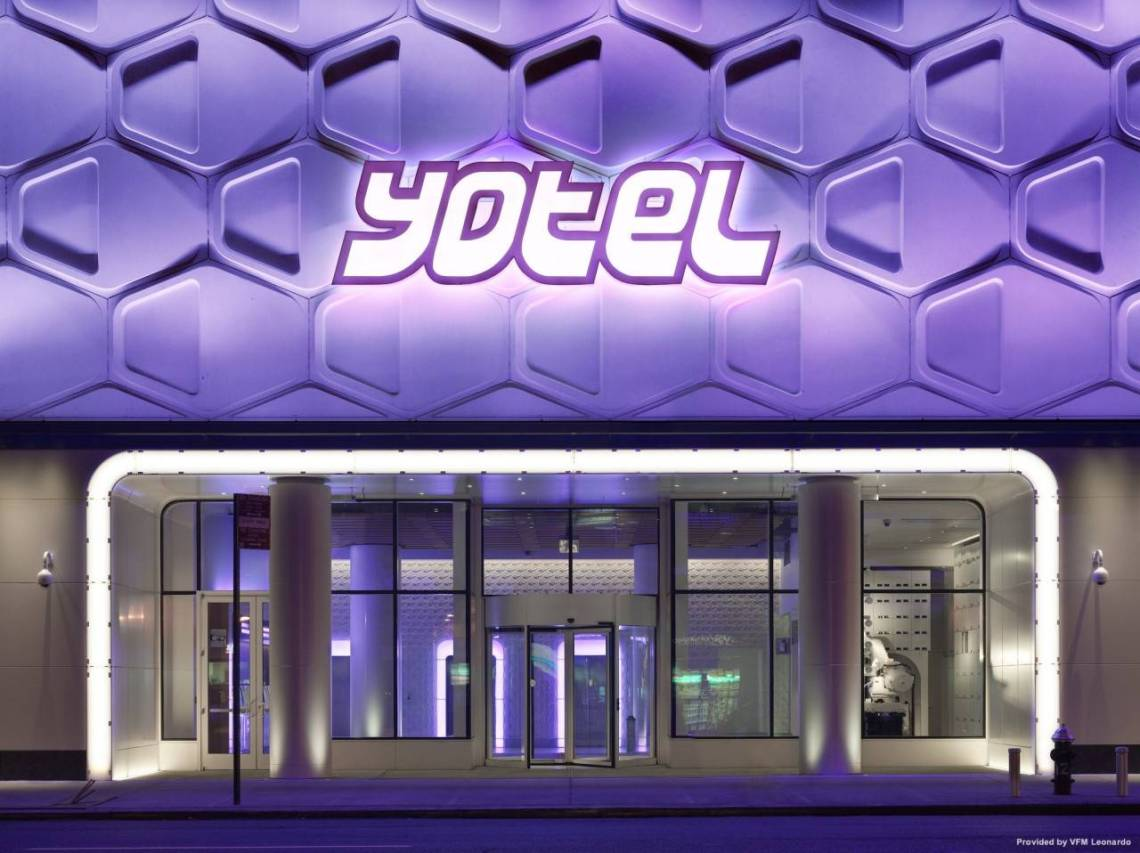 Hotel YOTEL New York Times Square at HRS with free services
