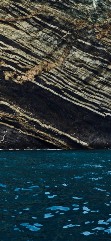 macOS Catalina iPhone wallpaper AR72014 4