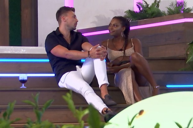 "Sam Bird und Samira Mighty auf Love Island 2018 ""title ="" Sam Bird und Samira Mighty auf Lo ve Island 2018 ""/> </div data-recalc-dims="