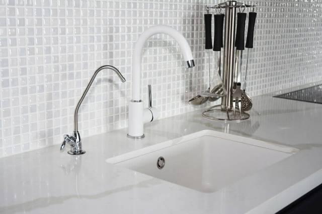 Easy To Clean Backsplash For Kitchen
