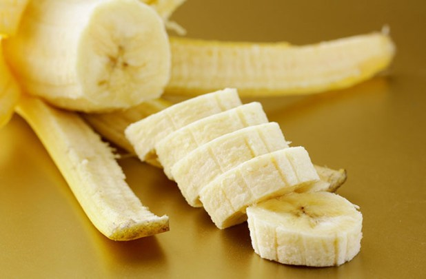 Banana and baking soda facepack