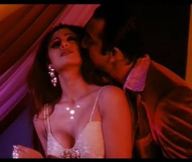 Sanjay Dutt And Shilpa Shetty Hot Bedroom Scene Dirty Love Making Video Indiatimes Com