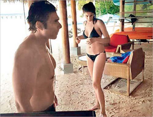Foto Bikini Nargis Fakhri Saat Liburan di Maladewa