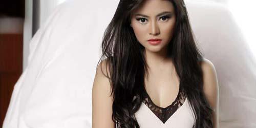 Vitalia Shesya Telanjang hot