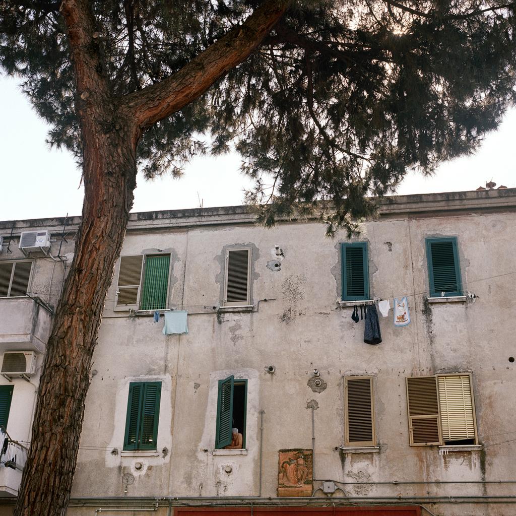 Pomigliano d'Arco, le case popolari costruite dall'Alfa Romeo per i suoi operai agli inizi degli anni quaranta. -
