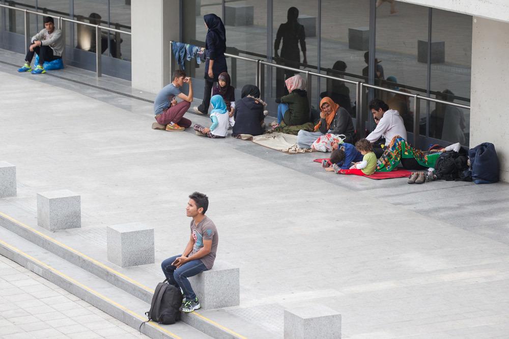 Migranti fuori della stazione di Keleti a Budapest, il 31 luglio 2015. - Attila Volgyi, Xinhua  Press/Corbis