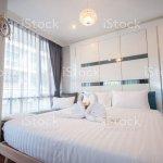 Schone Schlafzimmer Innenraum Und Handtucher Stockfoto Und Mehr Bilder Von Architektur Istock