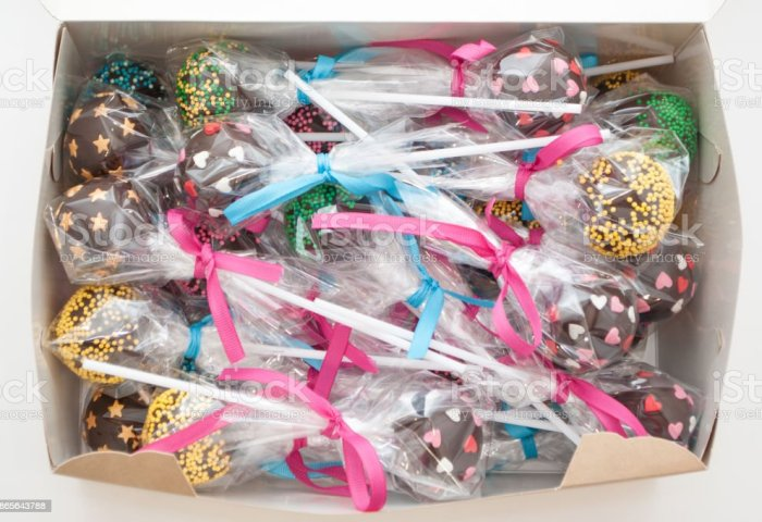 Cake Pops In A Box Stock Photo More Pictures Of Baked Istock