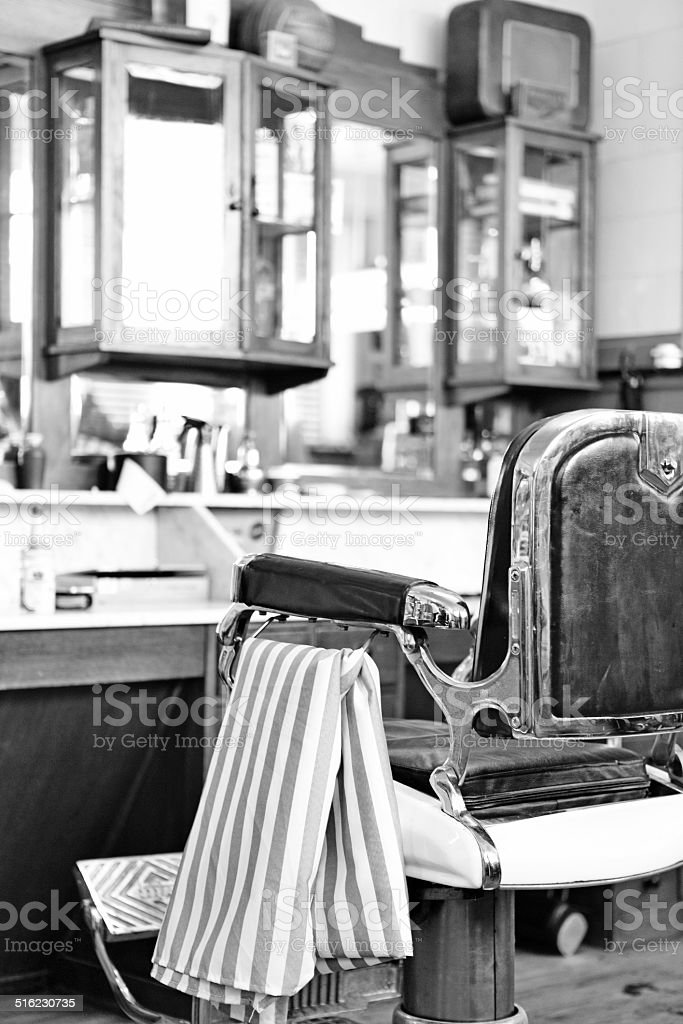 https www istockphoto com fr photos barbier vintage noir et blanc